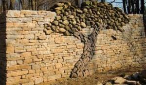 Декор забора природным камнем от К-групп фото