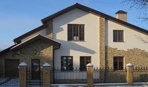 Отделка загородного дома стен и фасадов природным камнем фото